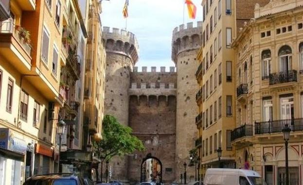 Where to stay in Valencia - Extramurs