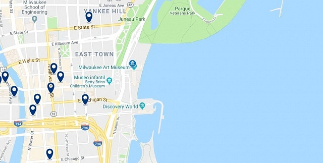 Accommodation in Milwaukee East Town - Click on the map to see all available accommodation in this area