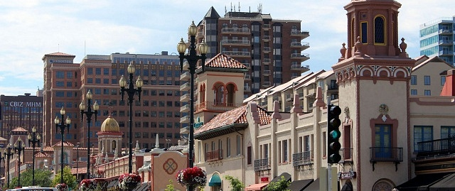 Best areas to stay in Kansas City - Close to Country Club Plaza