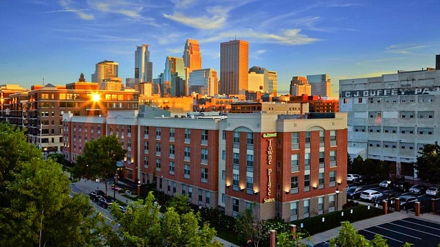 Warehouse District - Best areas to stay in Minneapolis