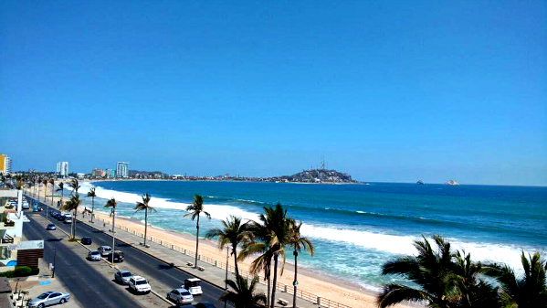 Where to stay in Mazatlán - Malecón or Promenade