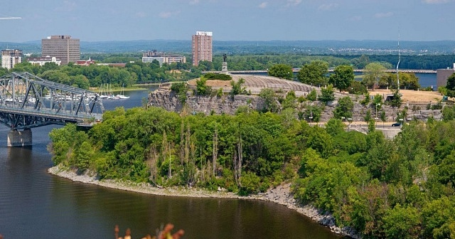 Best areas to stay in Ottawa - Nepean
