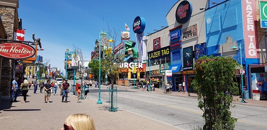 Best areas to stay in the Canadian side of Niagara Falls - Downtown Niagara Falls