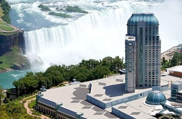 Best areas to stay in Niagara Falls - Fallsview