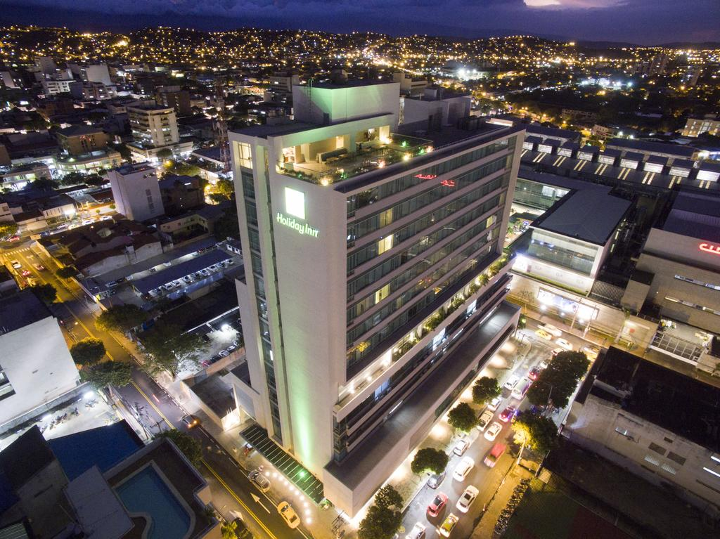 Best areas to stay in Cúcuta - Near Calle 10 and Ventura Plaza Shopping Center