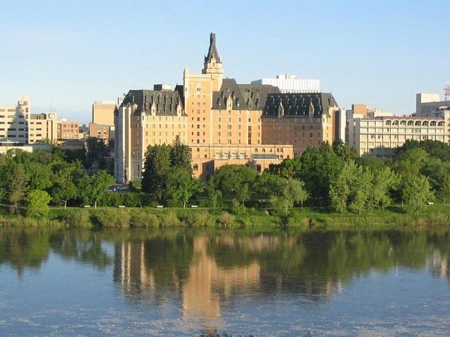 Best areas to stay in Sasketoon - Downtown Sasketoon