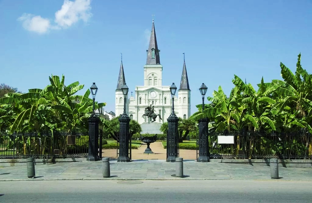Where to stay in New Orleans - Close to the St. Louis Cathedral